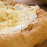 Lángos - Sajtos | Hungarian fried bread with cheese